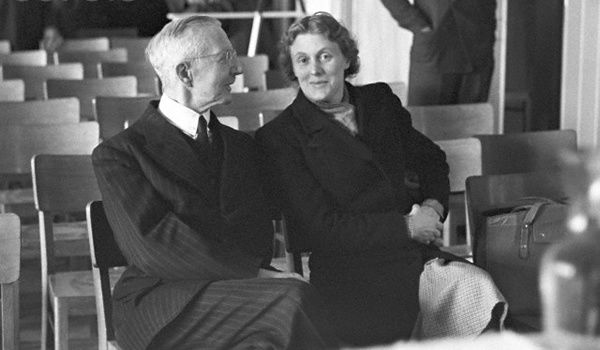 Hjalmar Schacht and his wife Manci during the hearing in the trial court II in Stuttgart on 09 April 1947