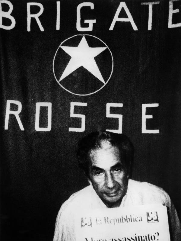 Photo d'Aldo Moro prise pendant sa captivité, entre le 16 mars et le 9 mai 1979, par les Brigades rouges