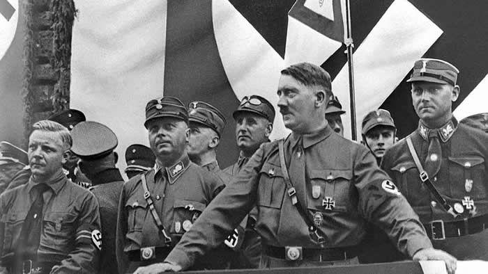 Les archives du FBI prouvent qu'un complot était en cours d'organisation contre Adolf Hitler, alors même qu'il venait d'être nommé chancelier