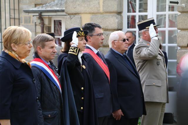 Les élus ont rendu hommage à Marcel Palmier (1907-1945) employé à la préfecture et Résistant, décédé en déportation.