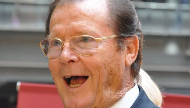 Décès de Roger Moore, l'acteur qui incarnait James Bond