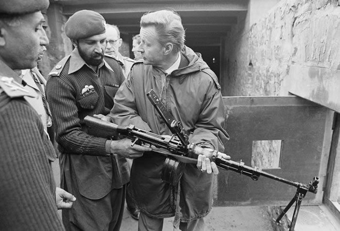 Visiting a Pakistani Army outpost in 1980, Mr. Brzezinski used the sights of a machine gun to look across the Afghan border. He supported billions in military aid for Islamic militants fighting invading Soviet troops in Afghanistan.