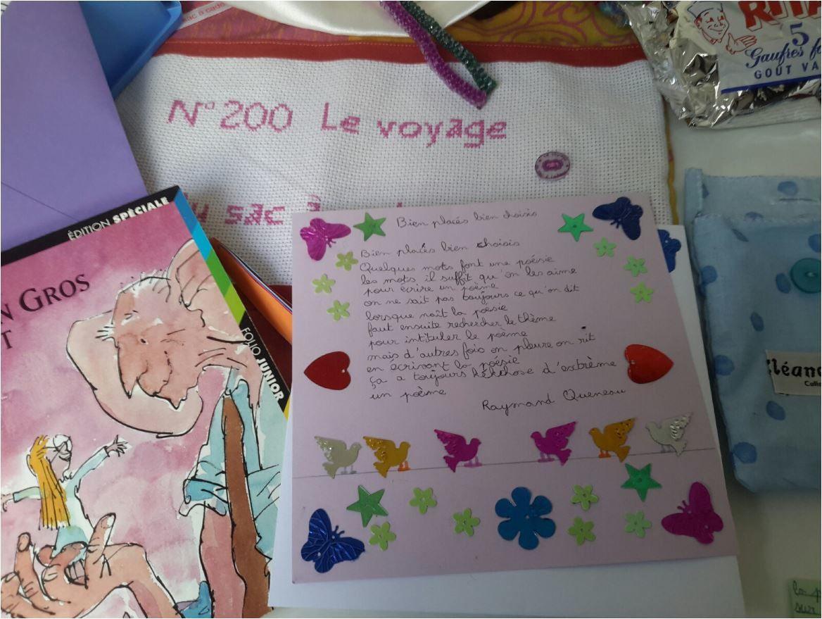 N°200 Le voyage du sac-à-cadeaux : échange avec Miss Poupette