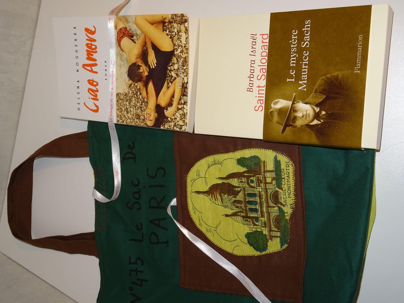 N°475 Le sac de Paris avec deux romans : inscriptions