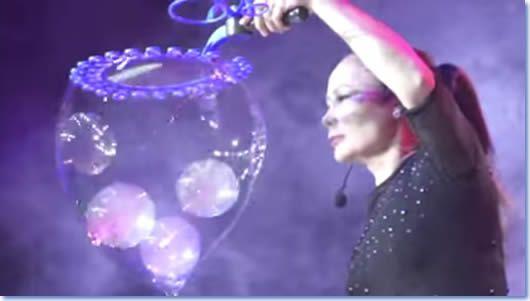 4286) Je coince la bulle…