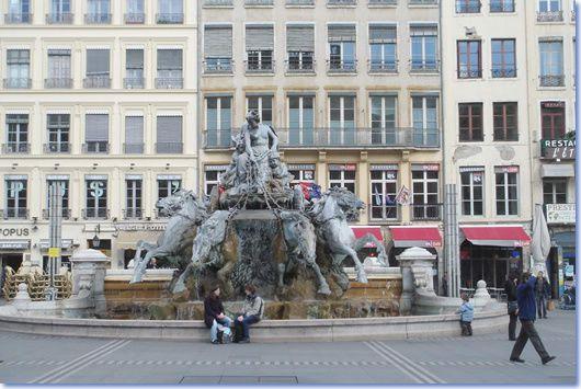 Une place importante à Lyon, la place des Terreaux...