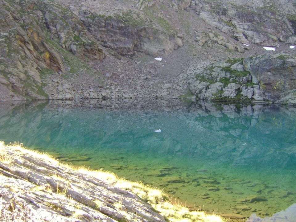 Les étangs de gardelle 2420 m d'altitude, pour un dénivelé de  820 m. Vous mettrez environ trois heures pour les atteindre. La truite est bien présente sur ces étangs. Vous serez étonné par la couleur de l'eau et sa clarté