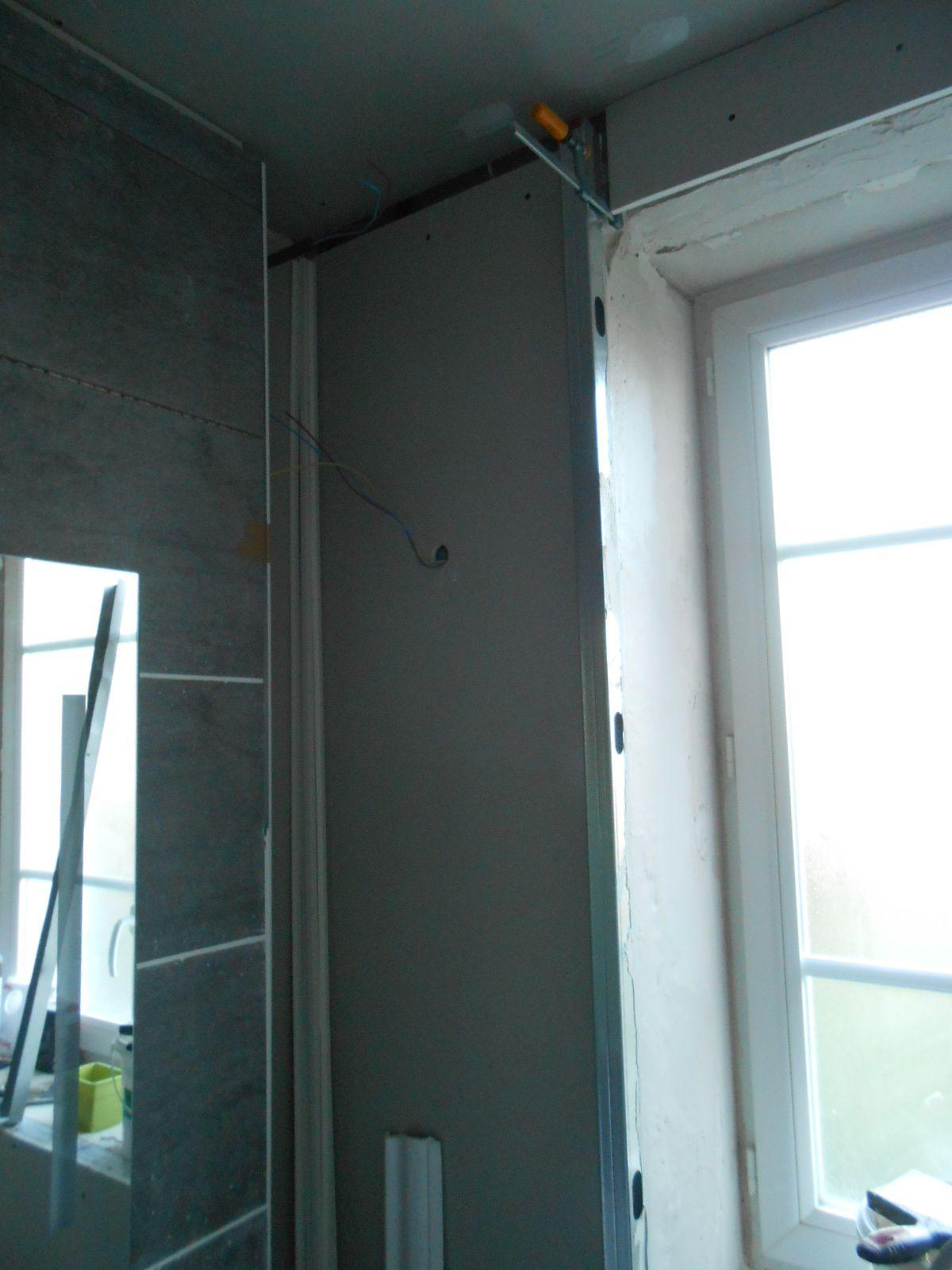 Plafond et mur de la fen tre la maison aux 12 travaux for La maison de la fenetre