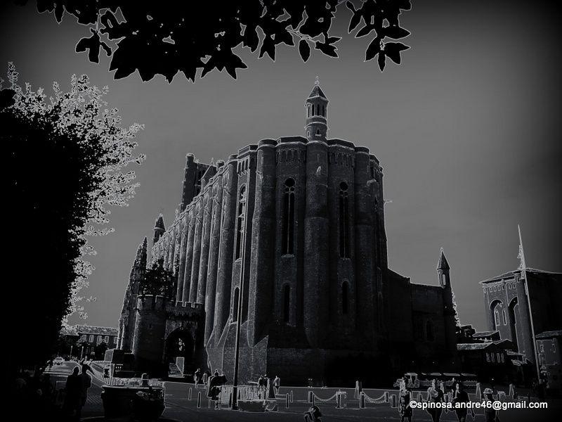 ALBI : autour de la place Sainte Cécile...