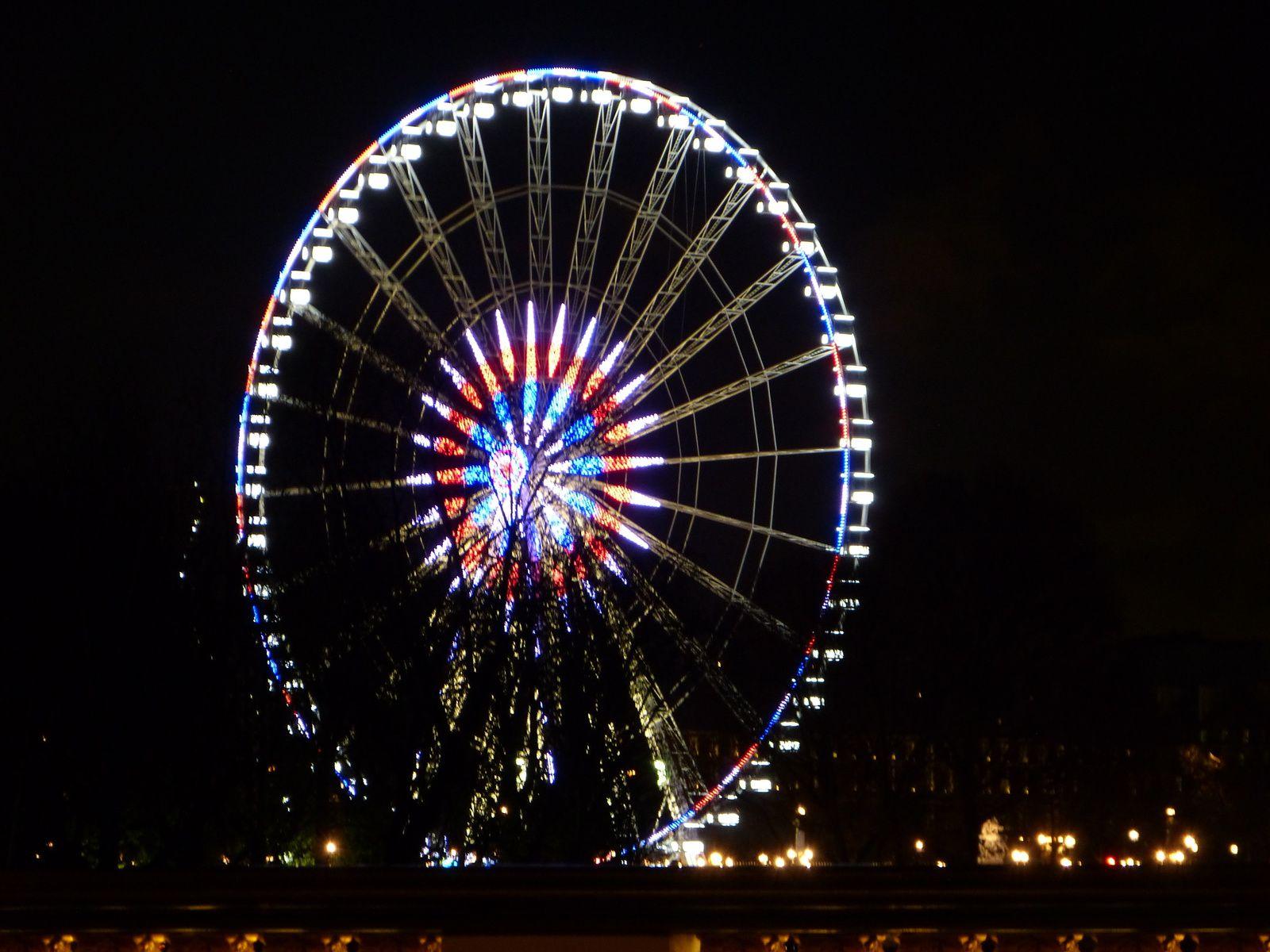 Paris habillé de lumière , 5 jours après les attentats du vendredi 13 novembre 2015...
