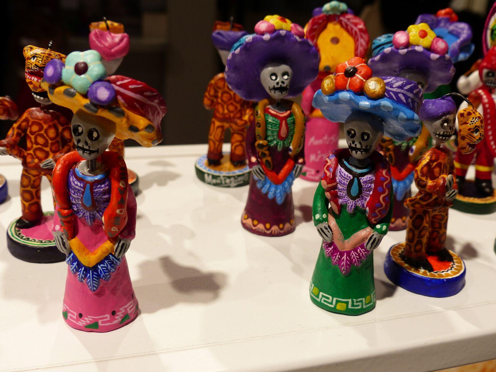 N'ayant ni le temps, ni les moyens de me rendre au Mexique, je le remercie d'être venu à moi via ses artistes au Grand Plalais / PARIS.