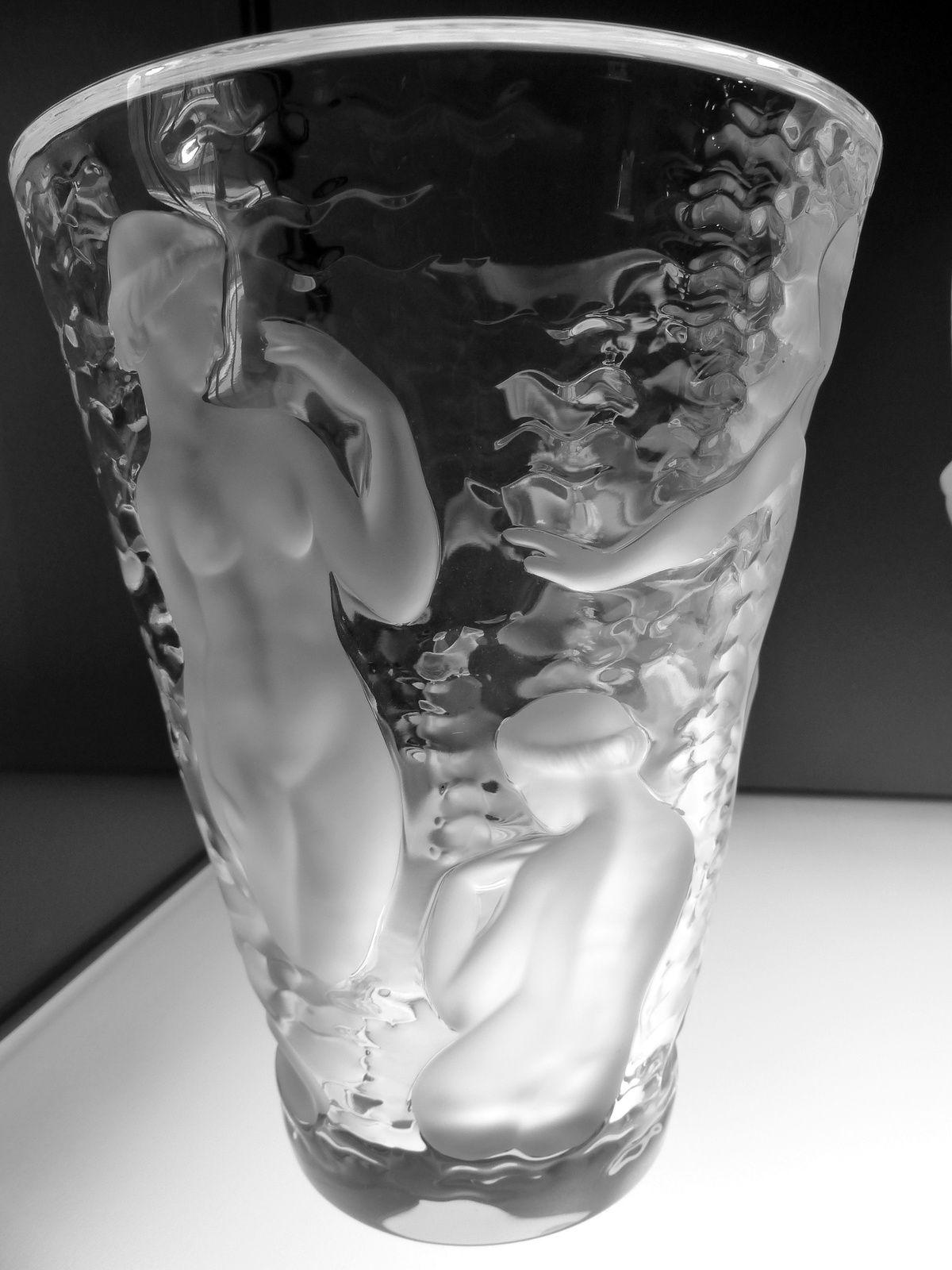 des beautés de verre.....et pour moi une infinité de gris.