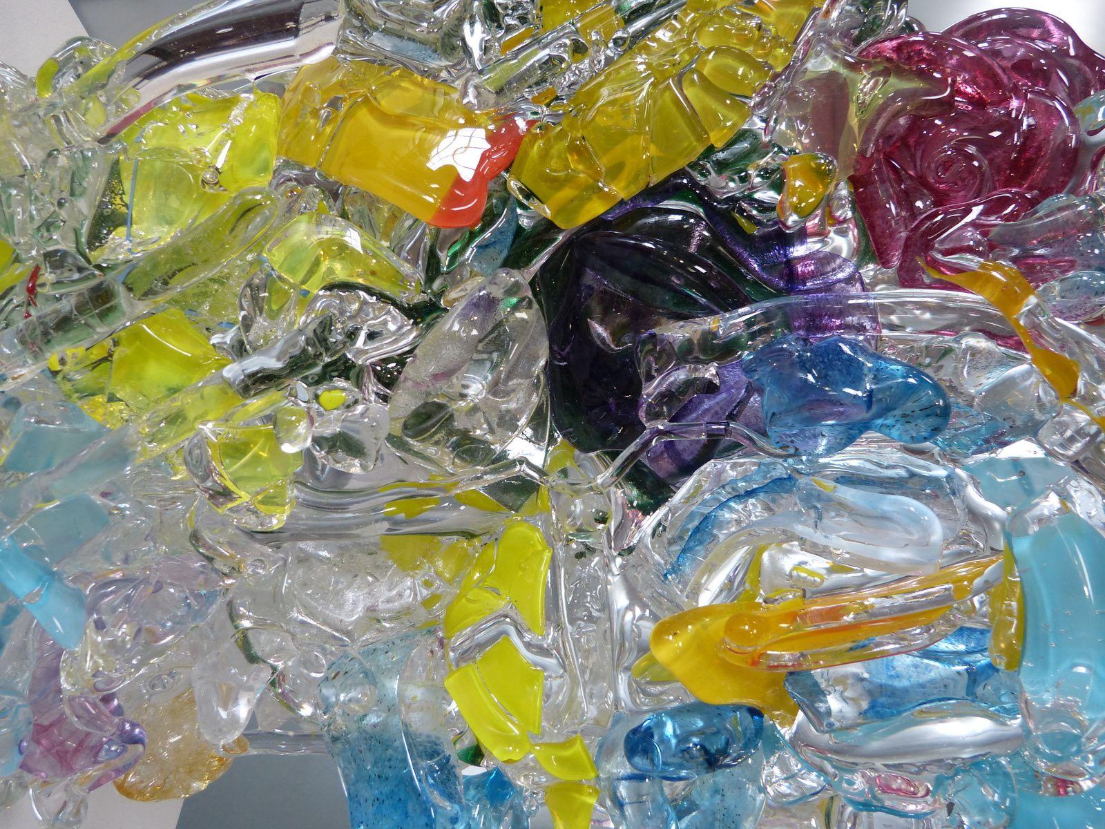 si vous êtes dans les Landes(40) faites lui une visite à Magescq au musée du verre et saluez le de ma part....JFVC.
