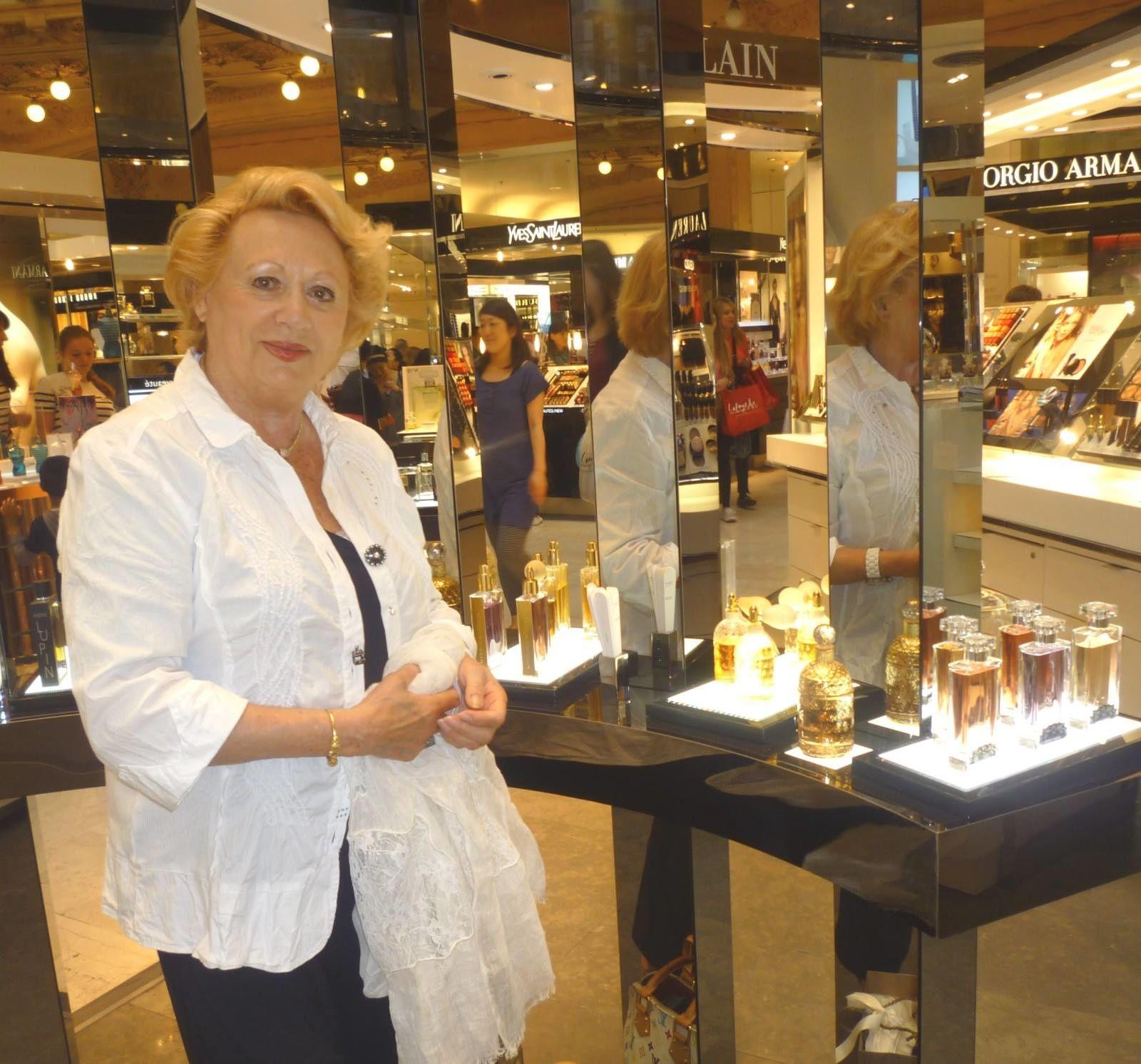 avec les parfums Guerlain, mes préférés...