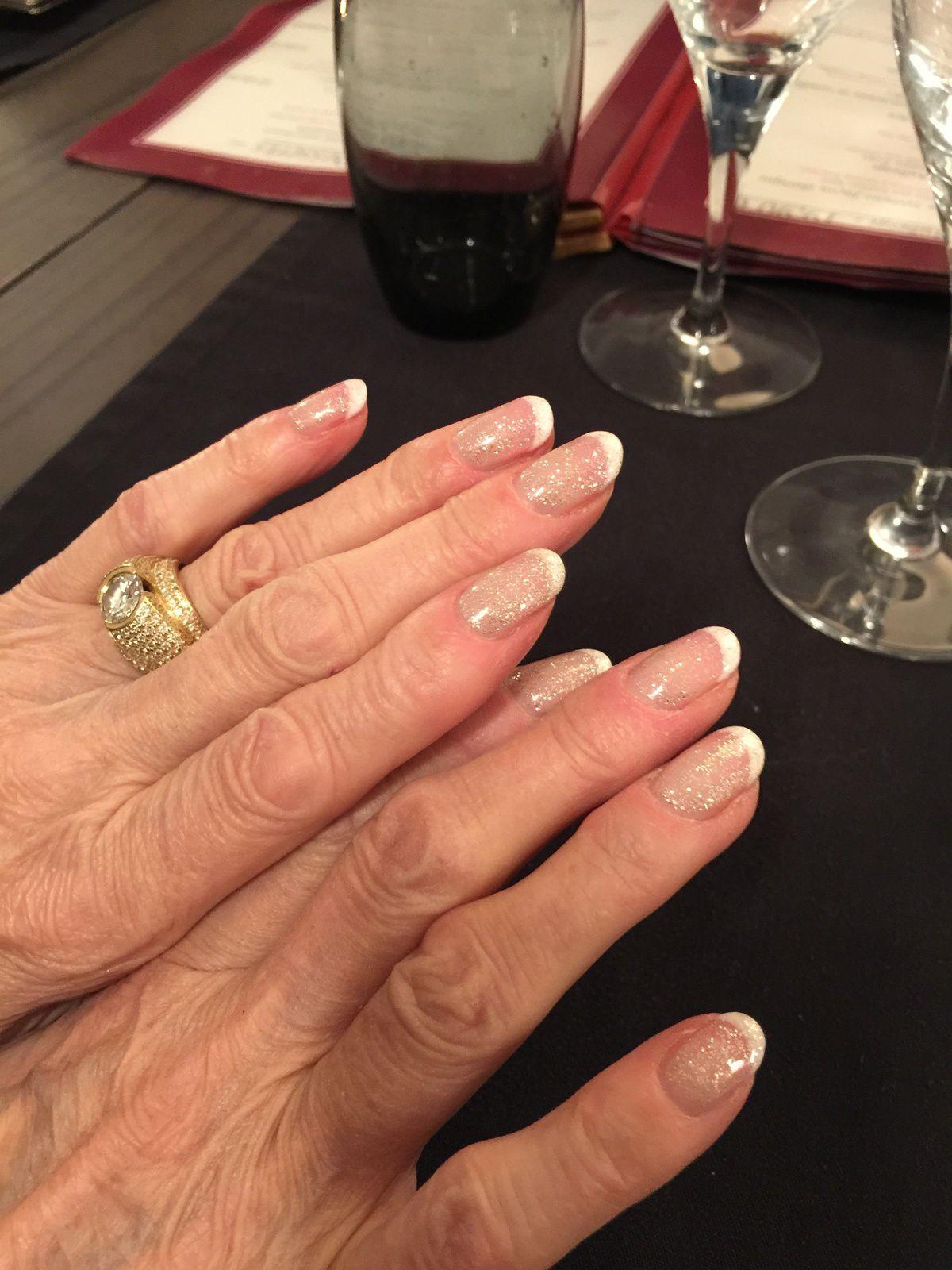 Les mains de femmes ........