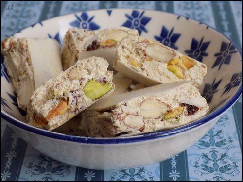 Nougats aux pistaches et airelles