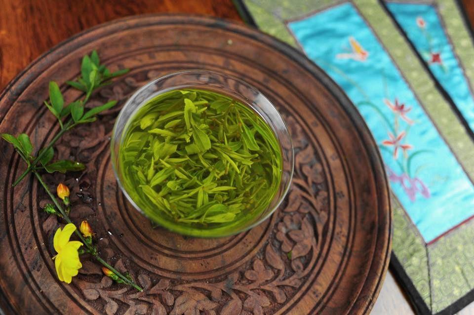 茶 (chá) est le mot chinois pour le thé et un des caractères les plus communs que vous pouvez trouver en Chine.