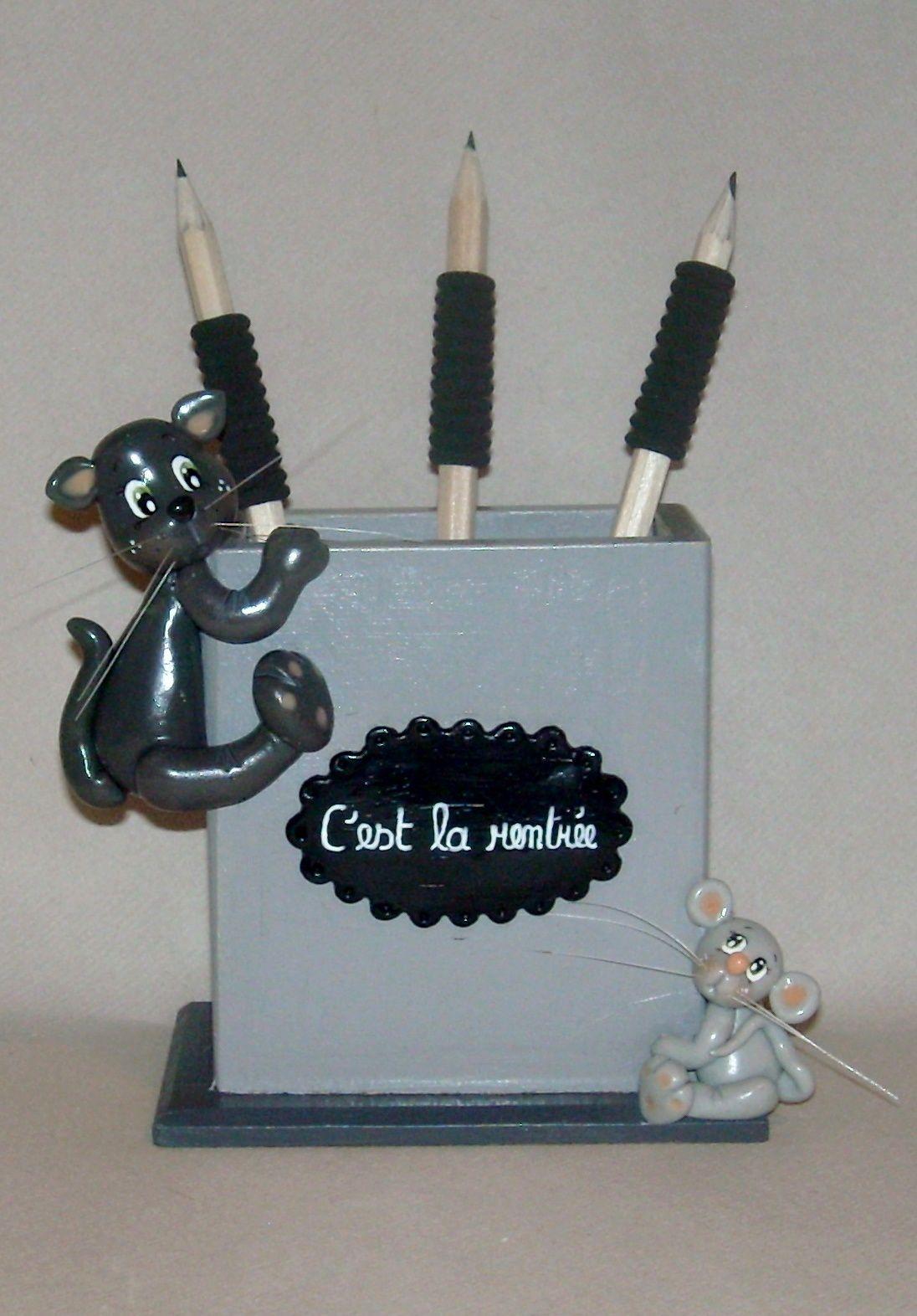 Boite à crayons avec chat et souris en porcelaine froide
