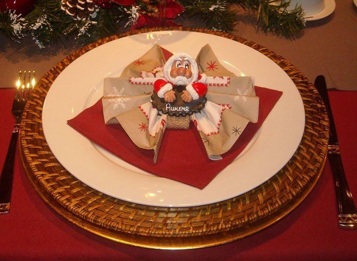Porte-serviette avec père-Noël et renne en porcelaine froide