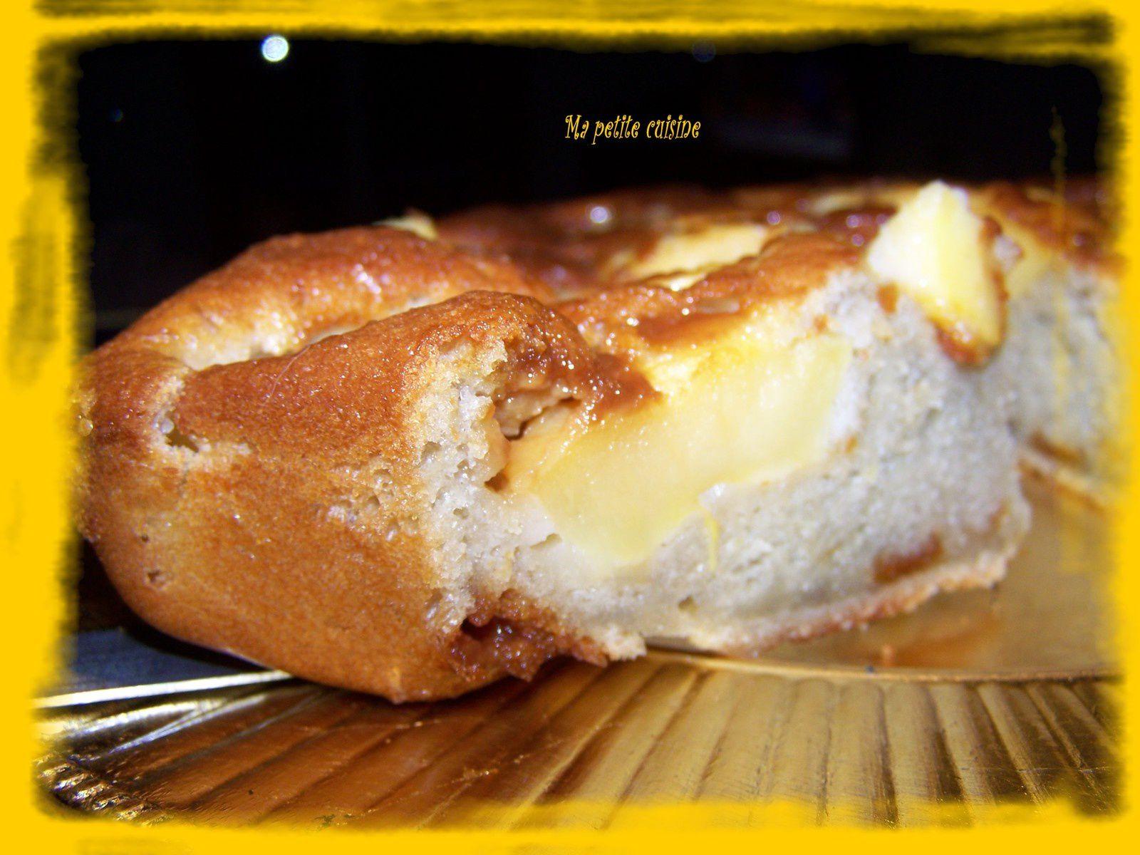 Gateau gourmand à la pomme et caramel au beurre salé