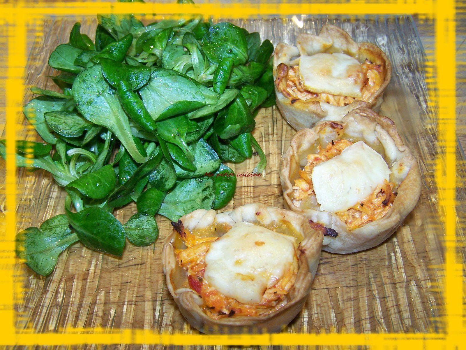 Petits paniers au poulet et fromage en sauce tomatée