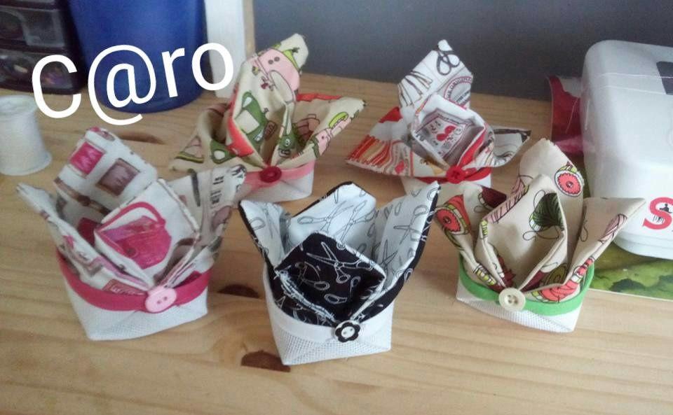 Petites poubelles à fils à broder - 6 €