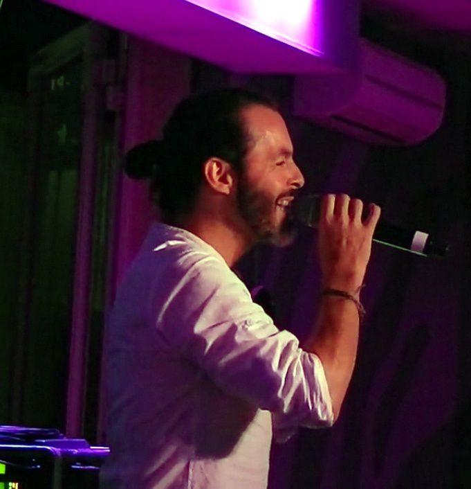 Un beau moment musical au restaurant La scène avec Nuno Resende