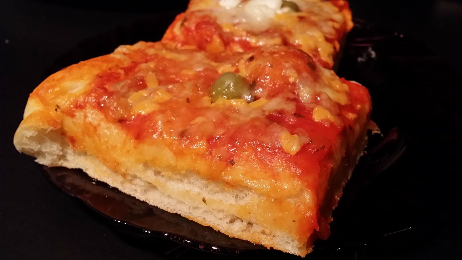 Pizza à la pâte americaine