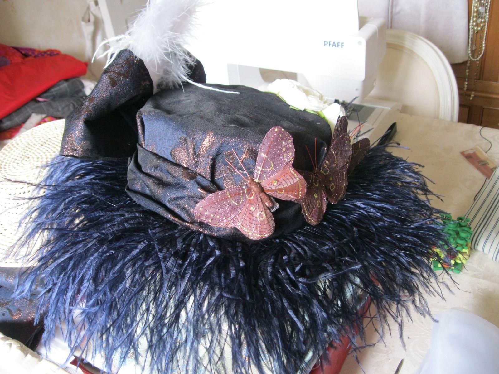 Robe Belle Epoque Taille 40 - 200 euros. Chapeau disponible pour 70 euros