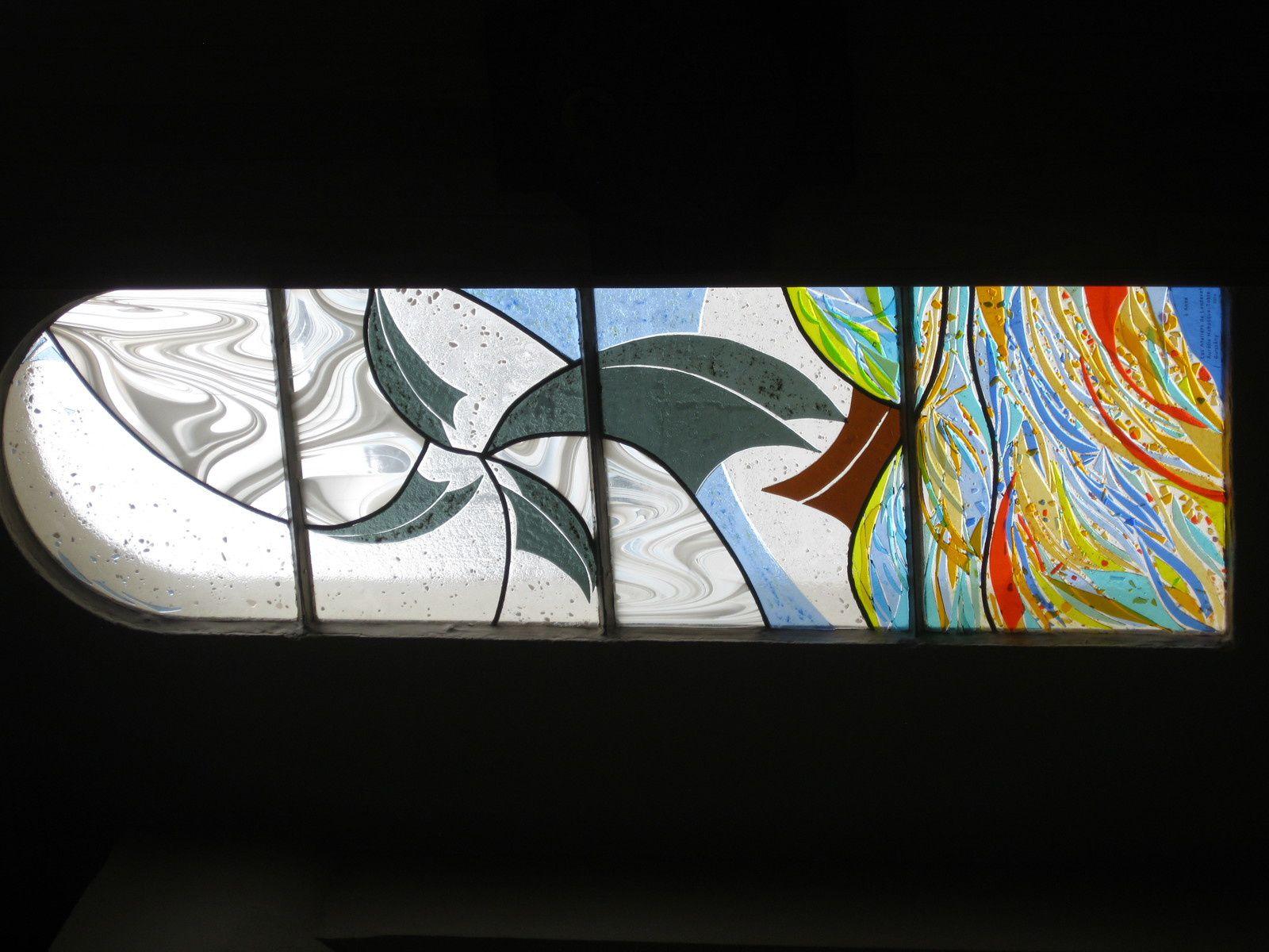 Les vitraux installés à la chapelle Ste Anne à la Turballe