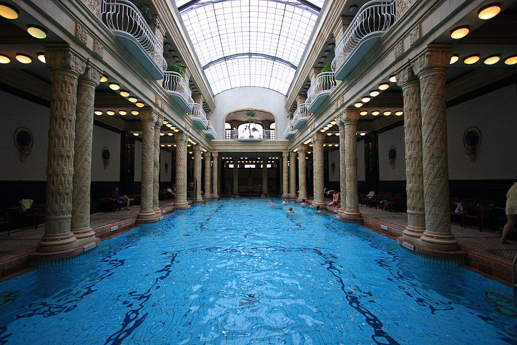 Hongrie - Budapest - Gellért thermes crédit : By Roberto Ventre - Flickr: Gellért Gyogyfurdo - Budapest, CC BY-SA 2.0, https://commons.wikimedia.org/w/index.php?curid=24917347