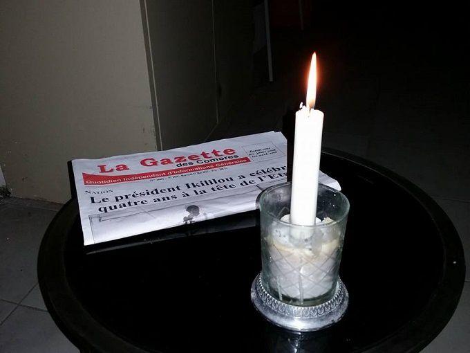 Electricité / L'obscurité, encore et toujours