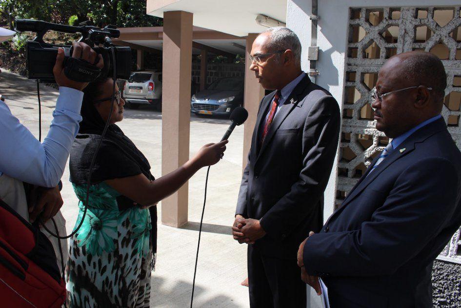 Hamada Madi Boléro et Robby le 28 juillet 2016 © Service de Presse de l'Ambassade de France aux Comores