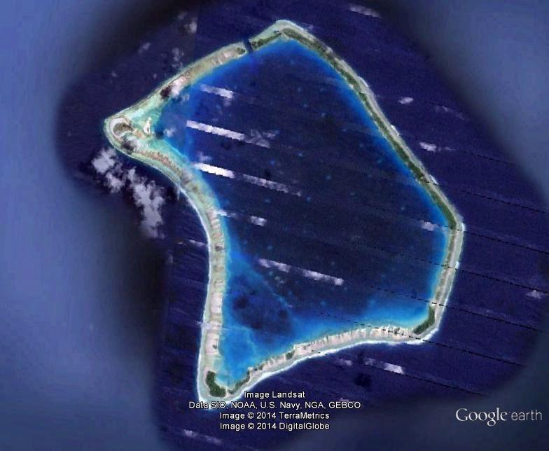 Pourquoi y a-t-il ces rayures sur la photo de Fangataufa prise sur Google Earth à l'instant ?