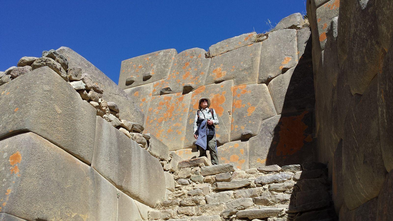 Des pierres parfaitement ajustées de 80 tonnes !