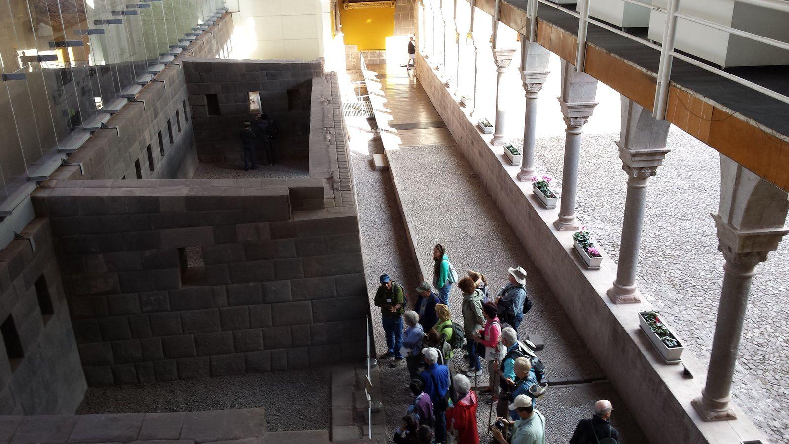 Cusco: comment les conquistadors ont - ils pu construire un monastère sur le temple du soleil?