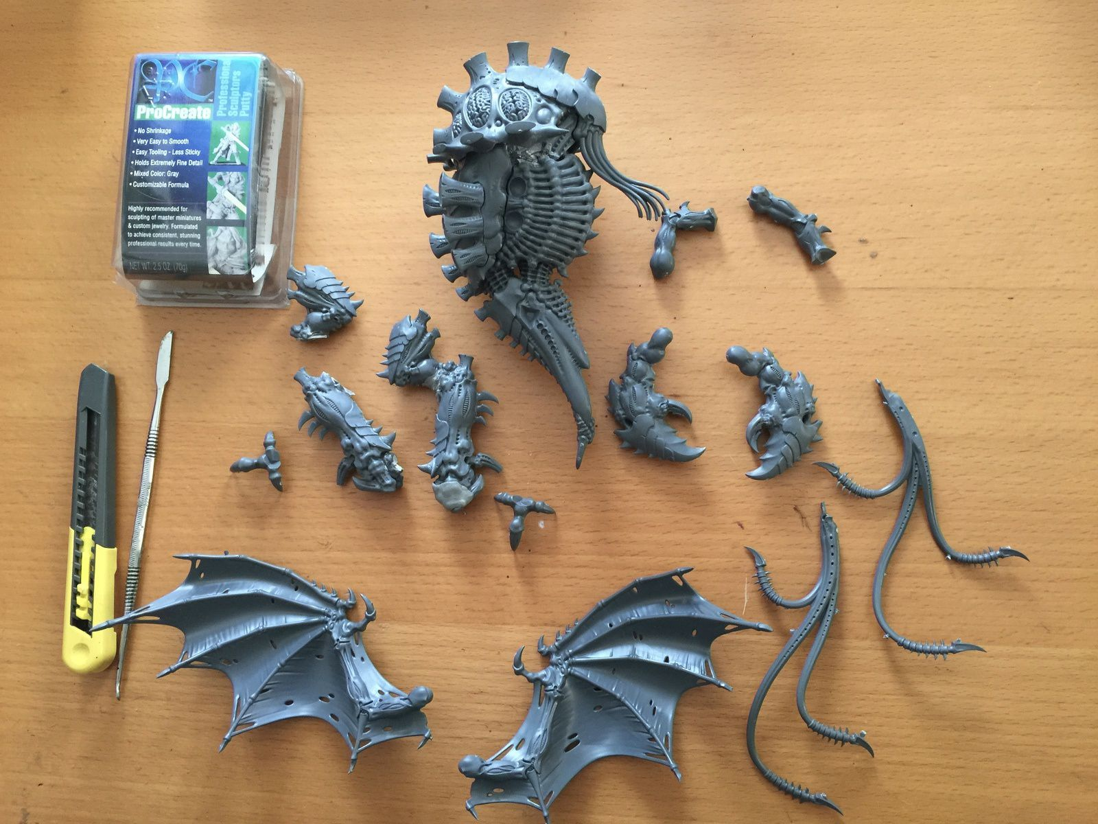 New Tyranid project : hive queen, or when a Haruspex meets a Toxicrene !
