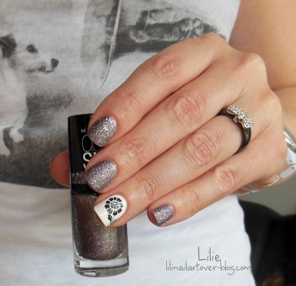 Silver Touch Gemey Maybelline // Daisy Nail Art