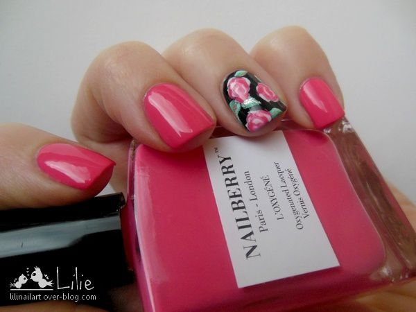 Nailberry Groseille // Accent Nail Roses
