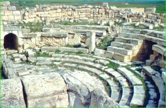 Qui peut nous en dire plus sur ces ruines ? image de notre ami P. Lecocq.