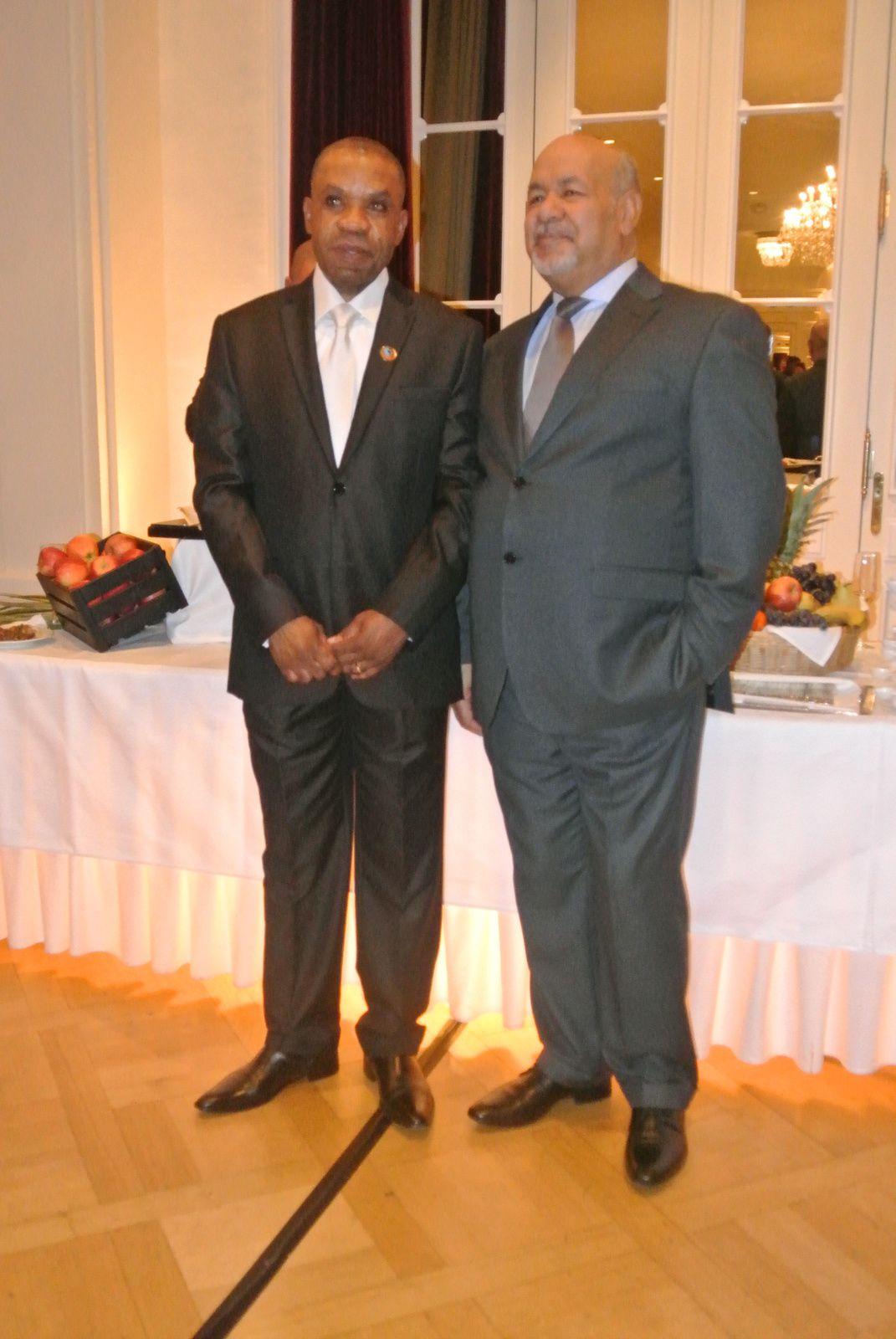 Senhores  David M. BONGO e Augusto MOUTINHO