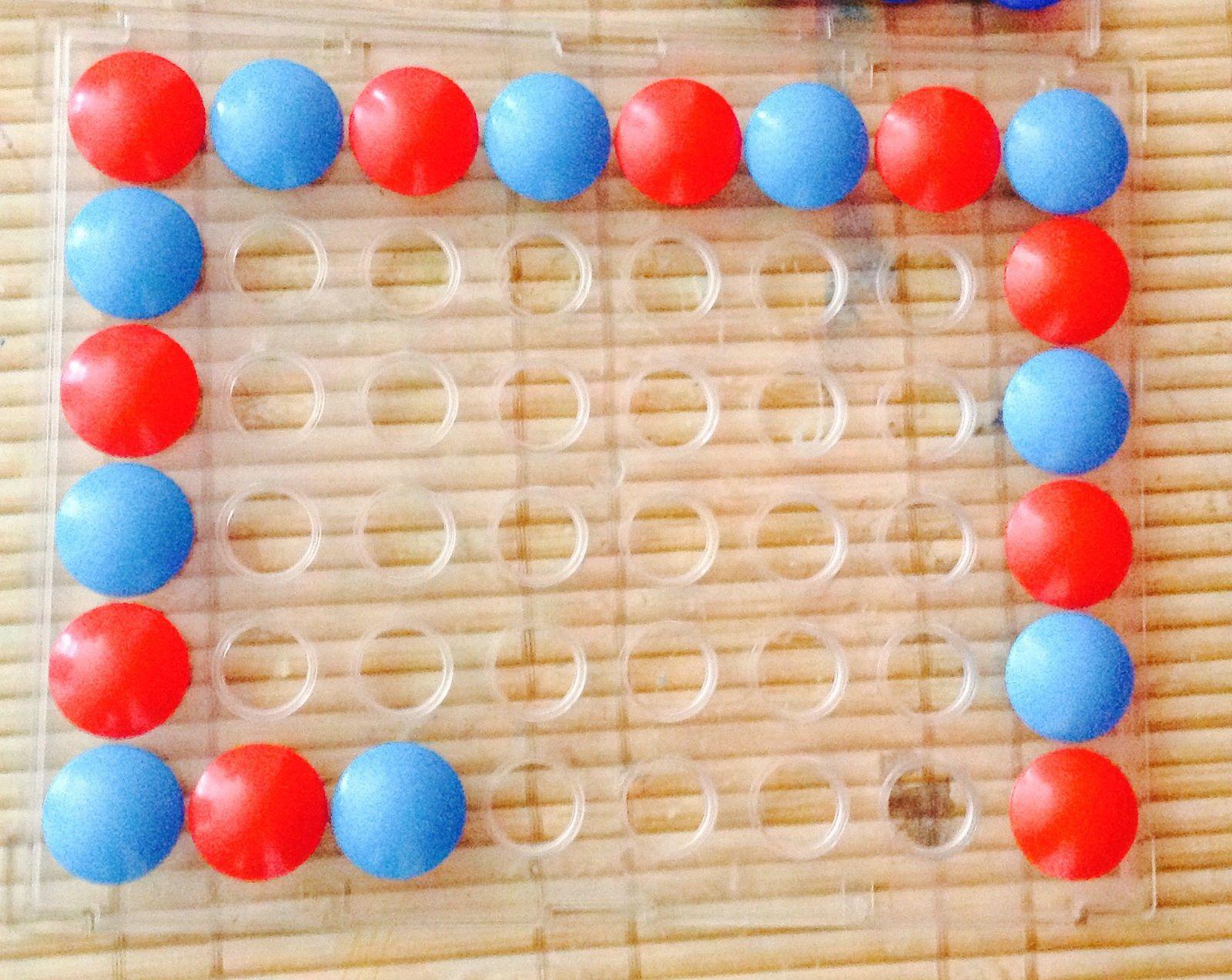 Un nouveau jeu avec les pastilles avec les enfants d'âge préscolaire (premier essai)
