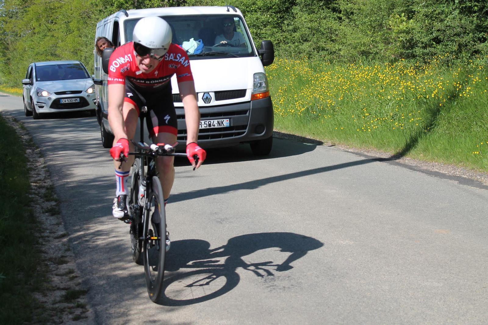 Florian Le Neun (Team Bonnat 91) 2ème à plus de 44 km/h de moyenn