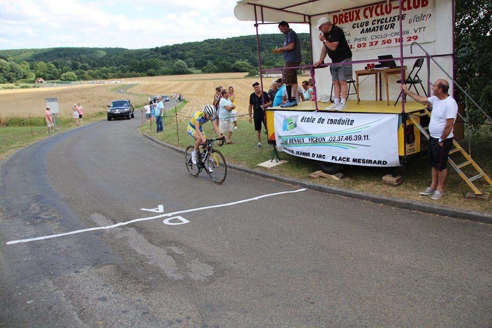 Clément Petit 4ème complète l'échappée