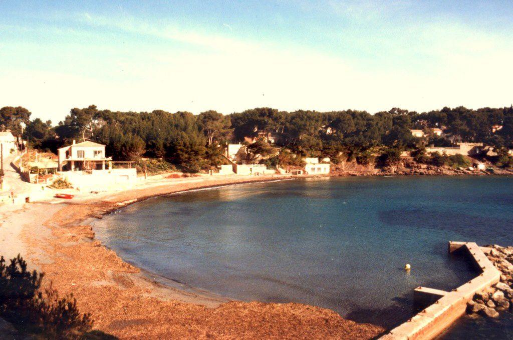 La Villa Verlaque et ses palmiers puis la plage de Fabregas où j'ai nagé en routes saisons