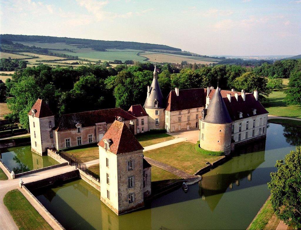 Le Château de Commarin que nous avons visité, tout près de la maison de Vincenot