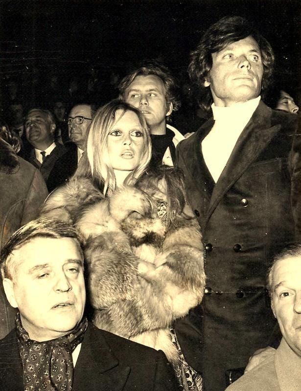 Autres brèves liaisons: 1958 Gustavo Rojo (tournage des Bijoutiers du Clair de Lune), 1963 Bob Zagury, 1965 David Gilmour guitariste de Pink Floyd, 1971 Patrick Gille,1972 Laurent Verger, 1974 Nino Ferrer, 1971 Christian Kalt (2 photos), et Gilbert Bécaud (2 photos)