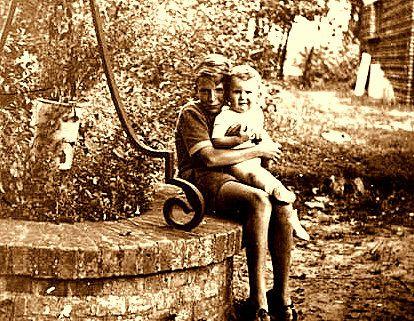 In fine, moi et mon frère Marc, né en 1950-Autiste