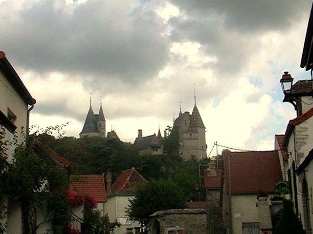 LA ROCHEPOT et son château