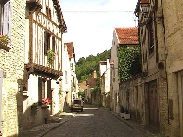 ARNAY-le-DUC